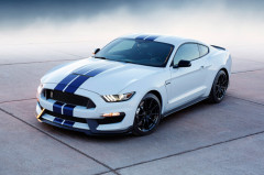 The New Ford Mustang GT350R Coupe Gets Rear Seats For an Additional Charge $999