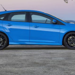 Ford Focus RS side 2016 Nitrous Blue