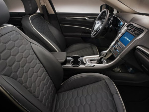 Ford Mondeo Vignale wnętrze