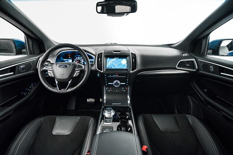 14 3 Ford Edge ST Interior Full