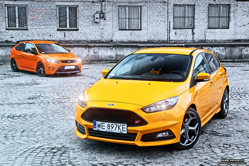 two different fords one st badge ford focus st. Black Bedroom Furniture Sets. Home Design Ideas